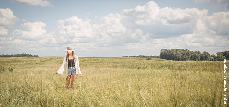 Shutter Magazine Inspirations | Senior Photography | Image by Mary Williams Photography