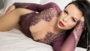 Posing Tips For Powerful Boudoir Images