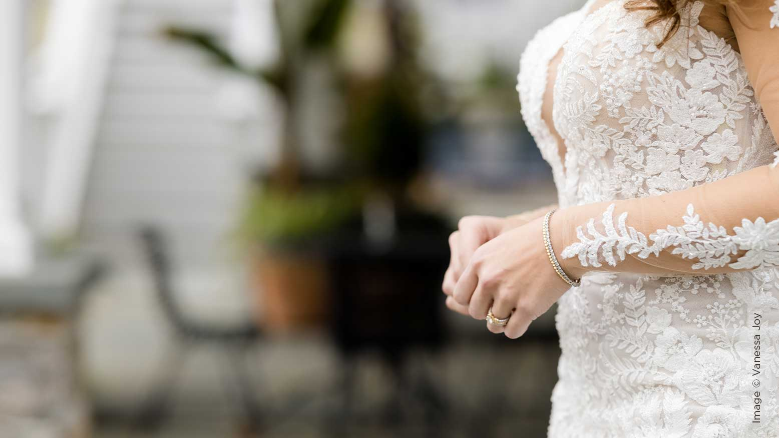 Do a Lot With a Little Time: How To Pose a Bride